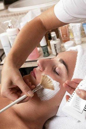 Lily Wellness & Spa: Cosmetics Treatment