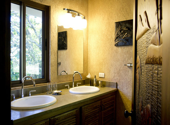 Hotel Buena Vista: Bathrooms