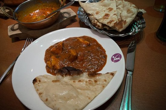 South Indian Garlic Chilli Chicken - Picture of Ashoka Shak ...