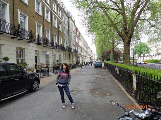 Days Inn London Hyde Park: Frontis Hotel