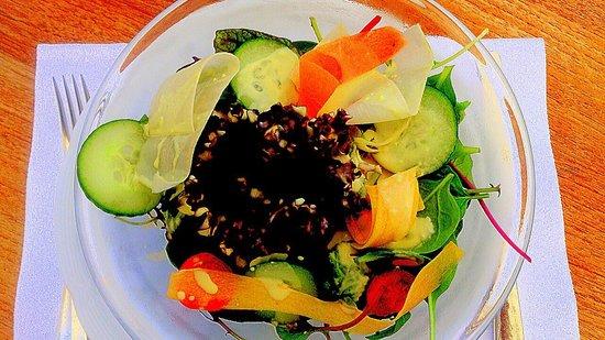 La Terrasse : Victoria Terrasse - köstliche Salatschüssel