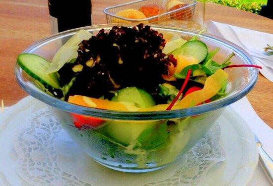 La Terrasse: Victoria Terrasse - erfrischende salad bowl