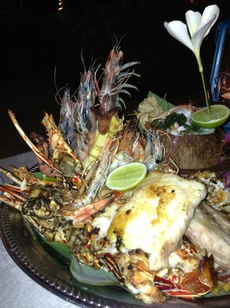 First Landing Beach Resort & Villas : Seafood platter for two - exceptional!