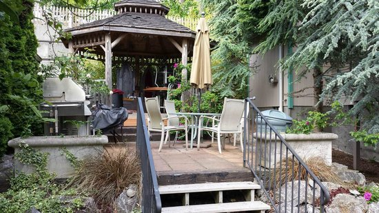Birch Bay Get Away: 1 of the shared courtyards, they all have BBQs for guests to use