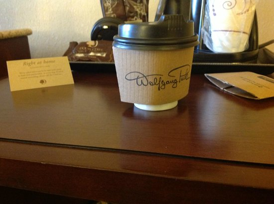 Doubletree by Hilton Hotel Columbia: Coffee Cup Not Right