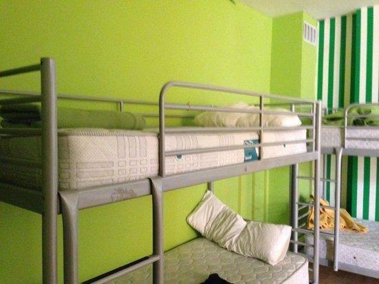Yellow Nest Hostel Barcelona: My bunk