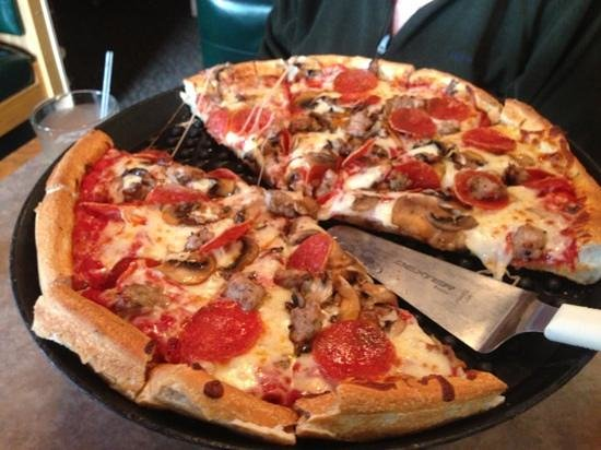 "Mr. Z's Italian Restaurant: 14"" pepperoni sausage and mushroom."