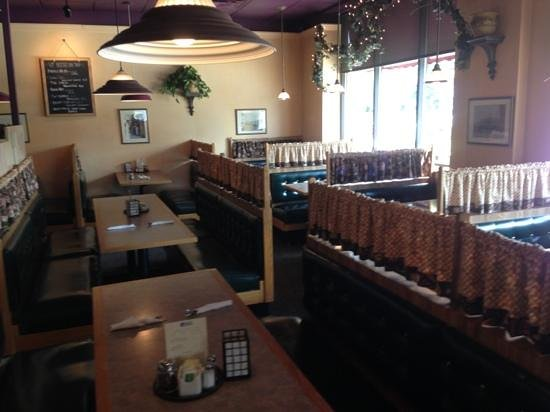 Mr. Z's Italian Restaurant: seating