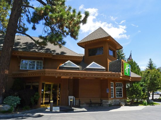 Holiday Inn Express South Lake Tahoe : Check-in here