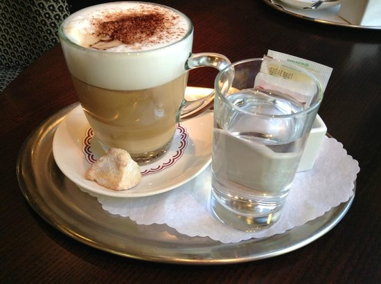 Small Luxury Hotel Ambassador a l'Opera: Our coffee whilst we waited for our room to be ready