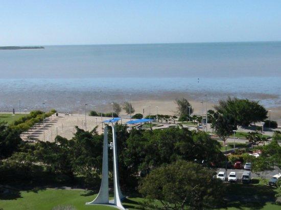 Rydges Esplanade Resort Cairns: Ocean
