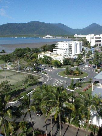Rydges Esplanade Resort Cairns: esplanade