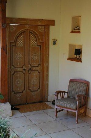 Ho'oilo House: Nalu entrance