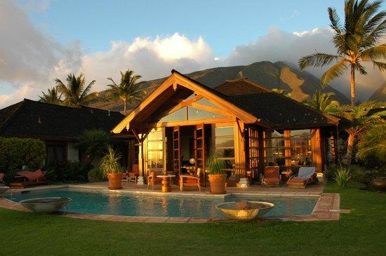 Ho'oilo House: Sunset