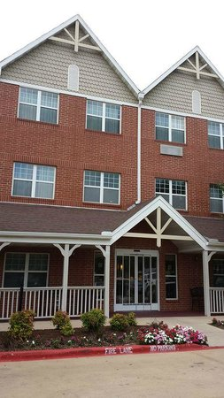 TownePlace Suites Dallas Bedford: Grounds