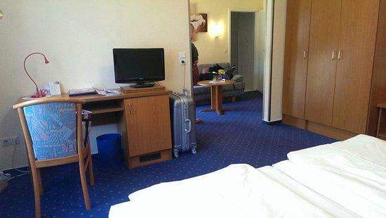 Hotel Restaurant Zum Werdersee: 房內空間大