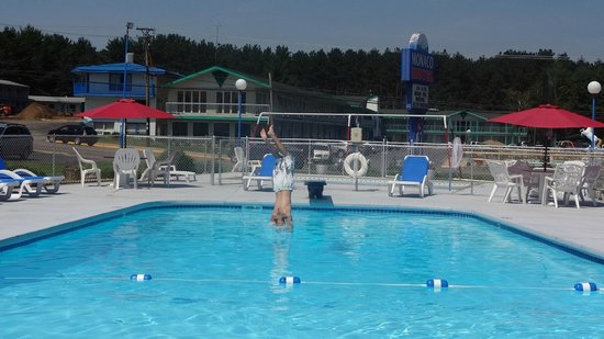 Mt. Olympus Resort: Outdoor pool.