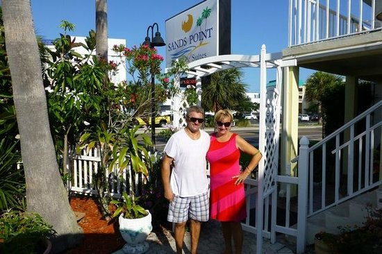 Sands Point Motel: Sands Point owners - Edward & Stella