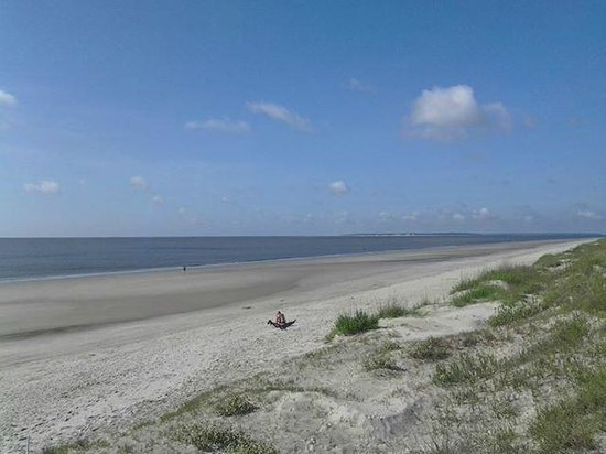 Days Inn & Suites Jekyll Island: beach