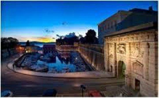 Zadar City Gate: LAND GATE AND OLD PORT OF FOŠA