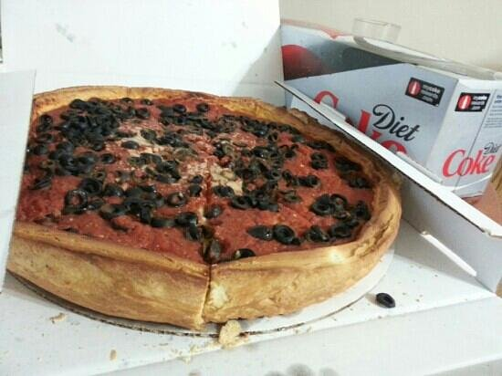 Giordano's : Large stuffed pepperoni and black olives