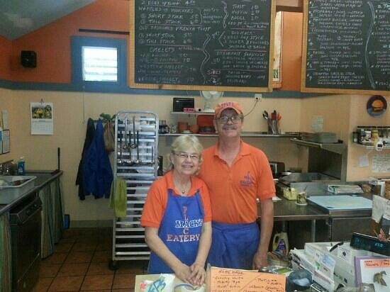 Mack's Place Eatery: The proud owners!