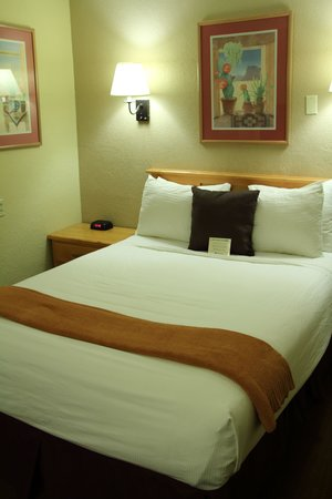 Best Western Turquoise Inn & Suites : Bed1