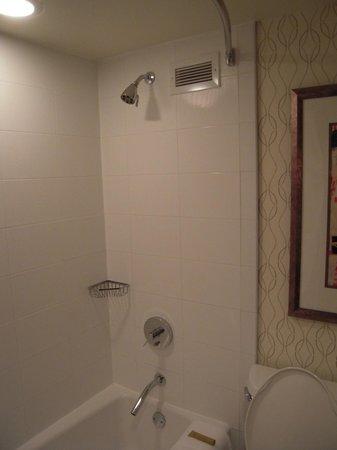 Kimpton Hotel Palomar Washington DC: Bathroom 22