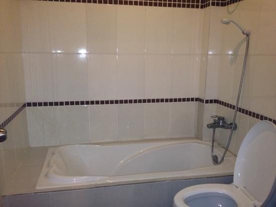 Met aparte badkamer de wc lekte wel de ganse nacht door