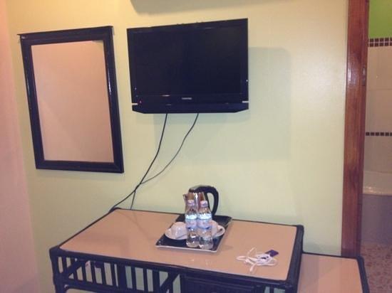 Angkor River Guesthouse: flatschreen op de kamer en koffie maker, plus nieuwe frigo , alles was nieuw