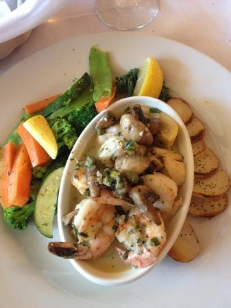 Chico's Cafe: scampi and scallops