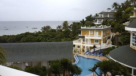 Monaco Suites de Boracay: resort view