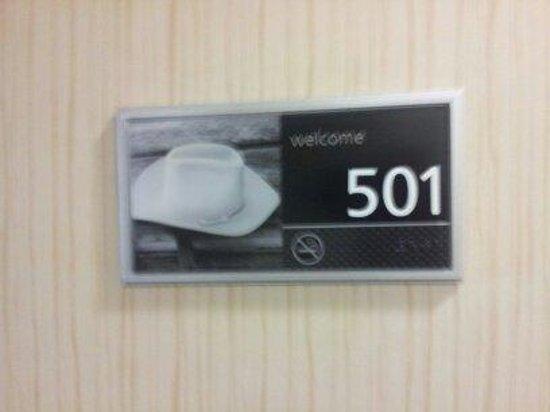 Hampton Inn & Suites Orlando Airport @ Gateway Village: Our room :)