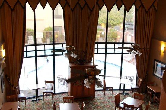 Hampton Inn Sedona: View from 2nd Floor