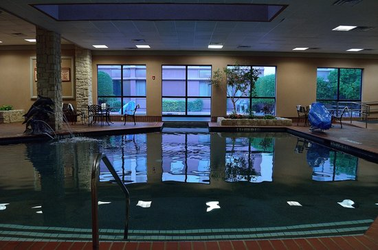 Indoor pool - Picture of Holiday Inn Dallas-Richardson, Richardson ...