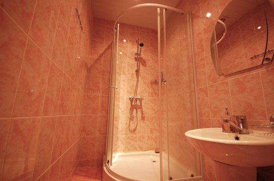 Hostel Sops : Bathroom
