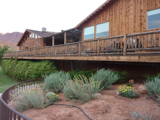 Red Cliffs Lodge: view of dining room