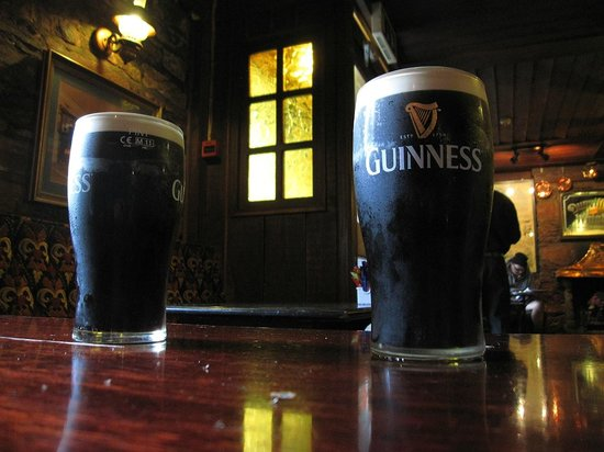 Olde Glenbeigh Hotel: Inside the cozy pub