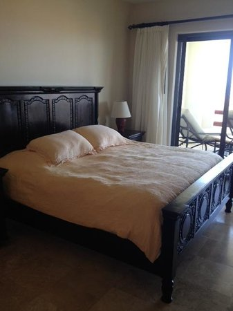 Alegranza: master bedroom- king size