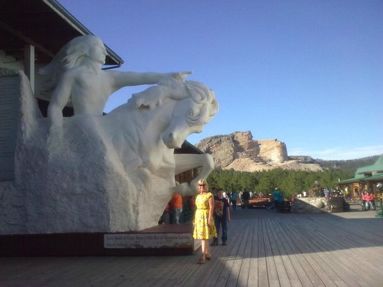 Mt. Rushmore's White House Resort : Crazy Horse Monument