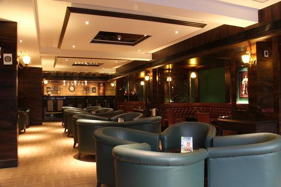 The Oaks - Lounge & Bar