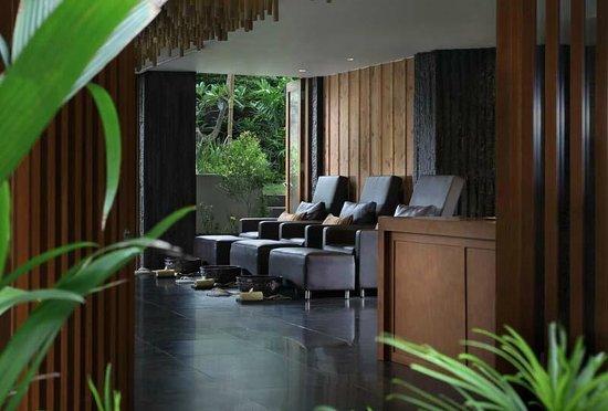 Bali Dynasty Resort Hotel: Manicure & Pedicure - Ashoka Spa