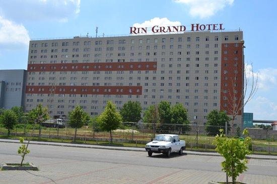 RIN Grand Hotel: Vue côté centre commercial