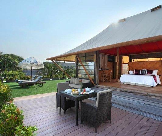 Bali Dynasty Resort Hotel: In-Villa Breakfast - Tent Villa