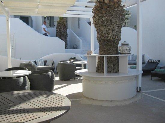 Lilly Residence-Boutique Suites Hotel: espace salon extérieur