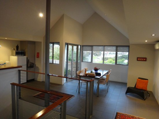 Hanover Bay Apartments: 2nd level dining area