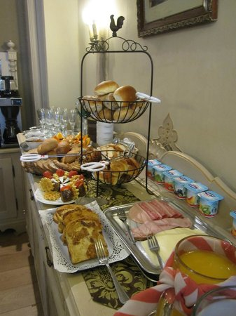 Hotel Van Eyck: Breakfast Buffet