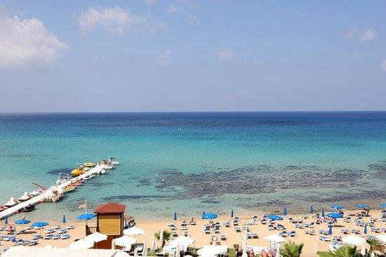 Silver Sands Beach Hotel: Beach