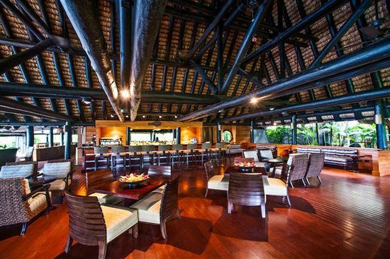 Jean-Michel Cousteau Resort: Bar and Lounge