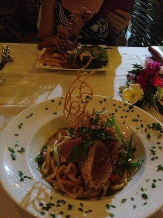 Sands Restaurant: seared sesame tuna fillet